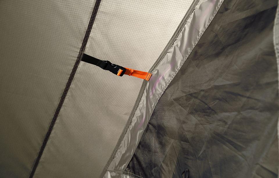 ファミリーでのミニマムキャンプに新スタイル<ニーモ DARK TIMBER 4P TENT>5