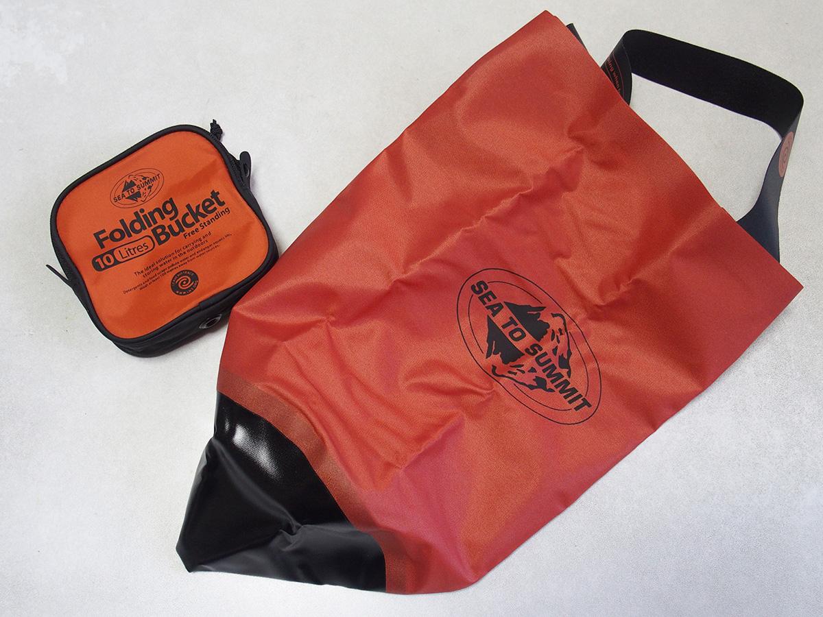 ミニマムなキャンプに便利な携帯バケツと携帯浄水器<フォルディングバケット>4