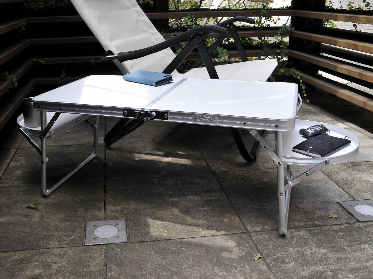 テント内でも外でも使える便利な小型テーブル<Onwayミニウイングテーブル>2