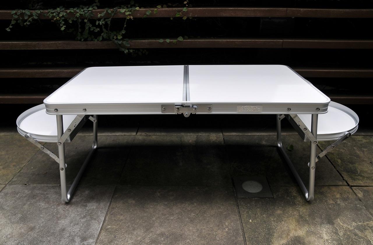 テント内でも外でも使える便利な小型テーブル<Onwayミニウイングテーブル>1
