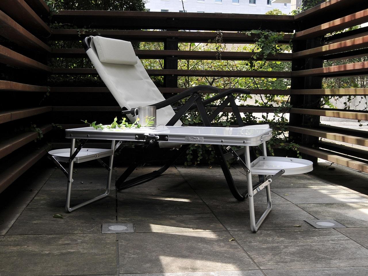 テント内でも外でも使える便利な小型テーブル<Onwayミニウイングテーブル>6