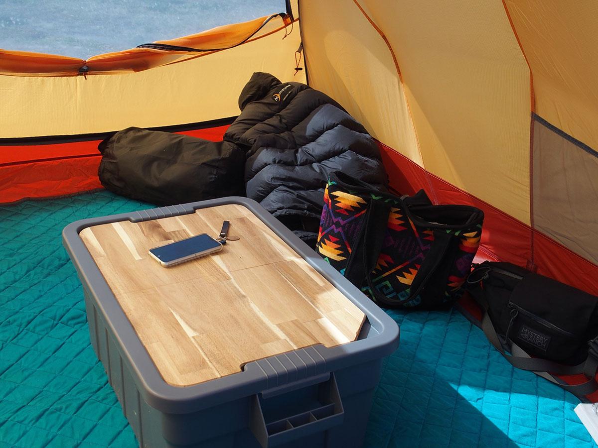 荷物運び用コンテナボックスをおしゃれなテーブルに変えてくれる<「THOR」テーブルトップ>2
